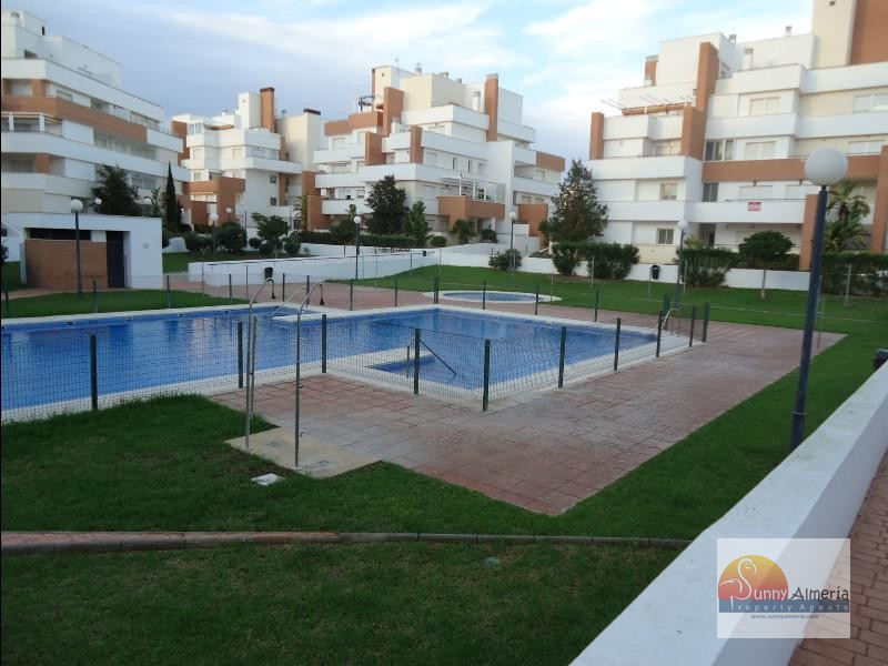 Apartment for rent in Urbanizacion de Roquetas, Roquetas de Mar