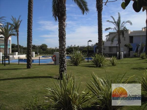 Petit Appartement de Luxe en location à Av. Cerrillos  86 (Roquetas de Mar), 250 €