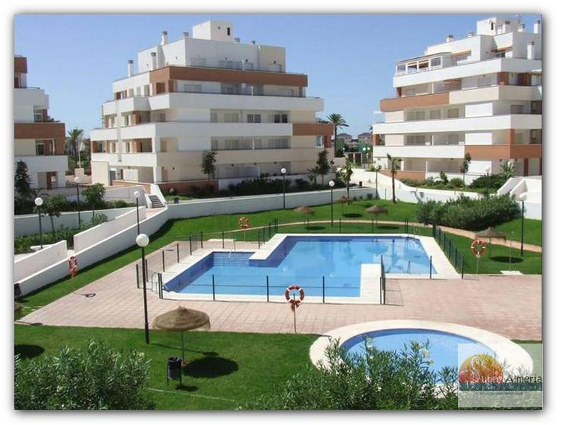 Luxury Apartment for sale in av ciudad de cadiz 0 (Roquetas de Mar), 102.000 €