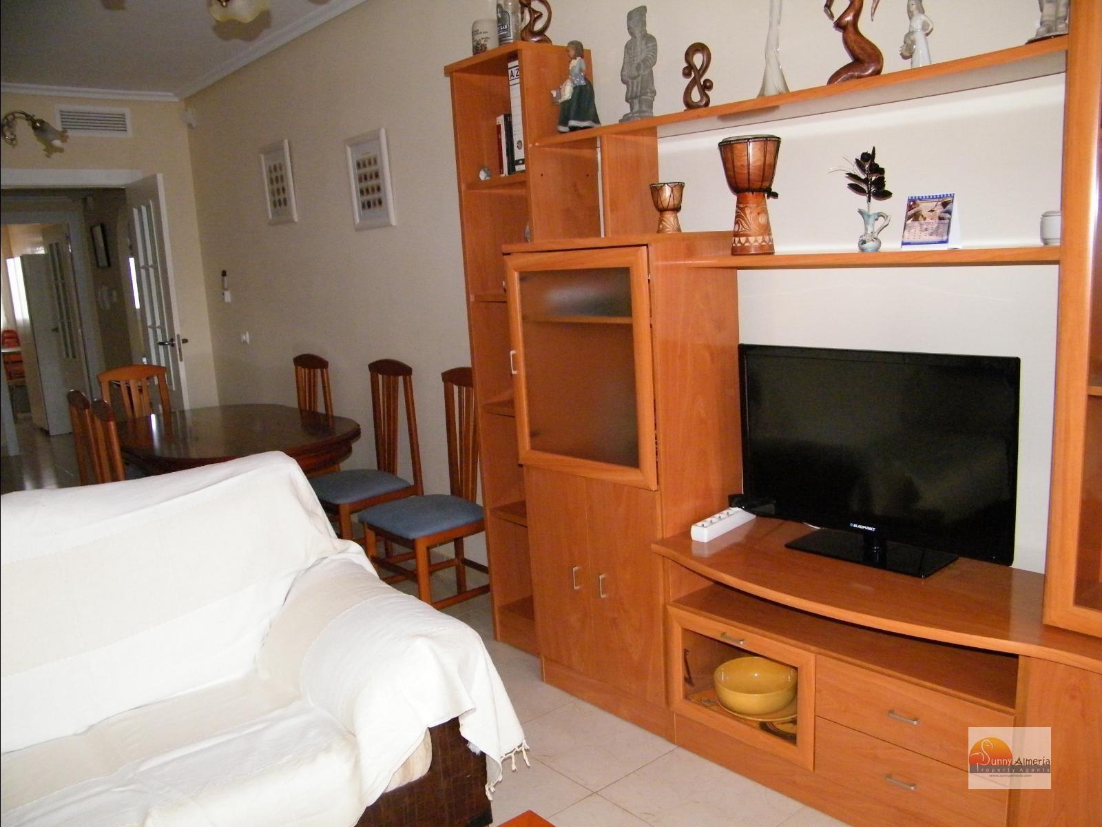 Luxury Apartment for rent in Calle Fosforito 4 (Roquetas de Mar), 750 €/month (Season)