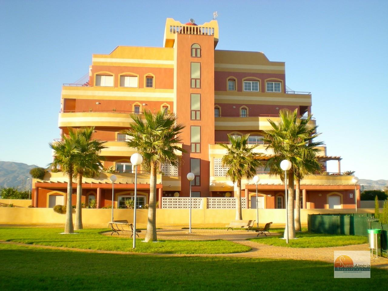 Luxury Flat for sale in Playa Serena Sur (Roquetas de Mar), 150.000 €