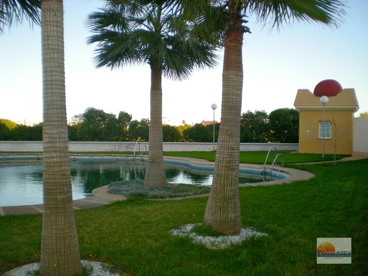 Luxury Apartment for rent in Roquetas de Mar, 750 €/month