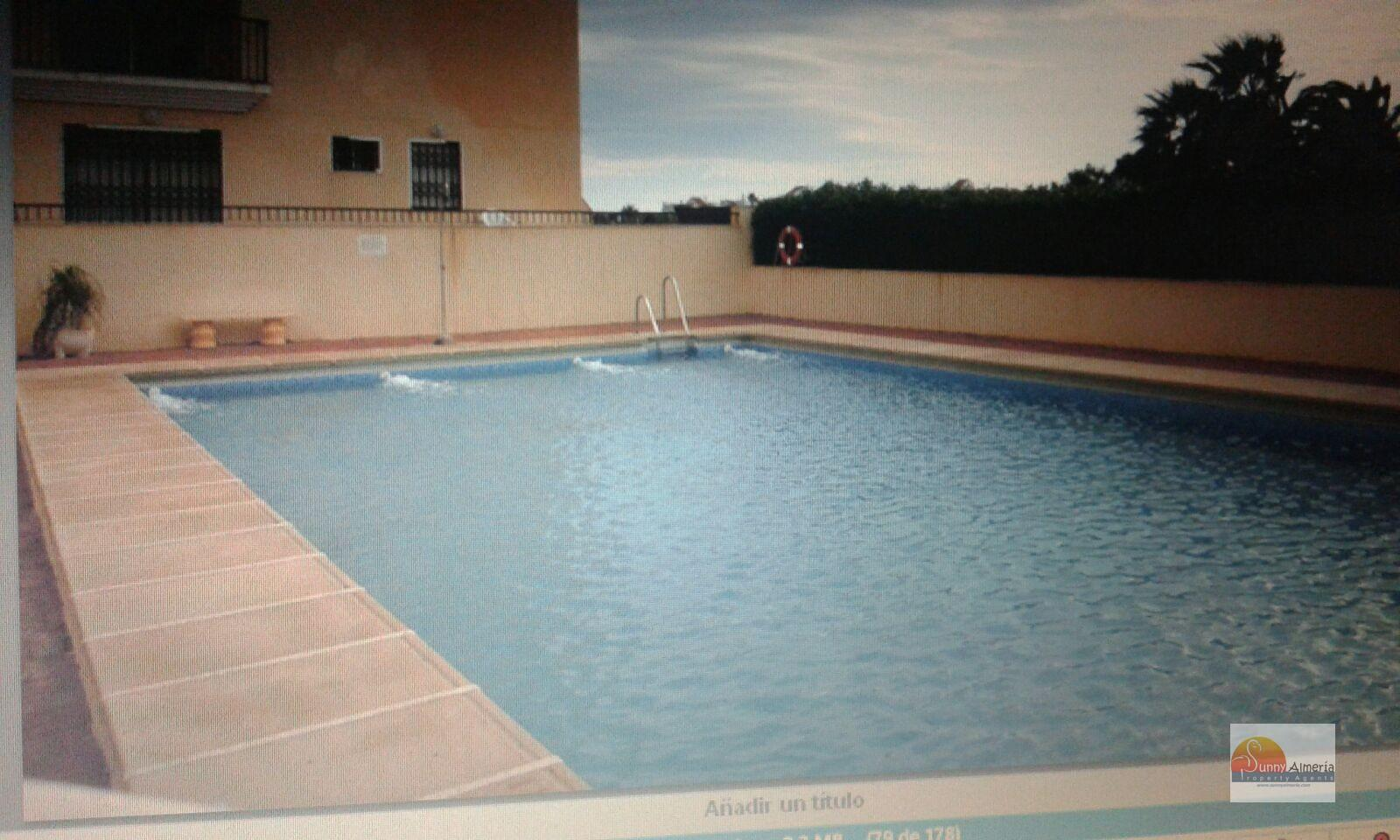 Apartment for rent in calle aviacion 0 (Roquetas de Mar), 550 €/month