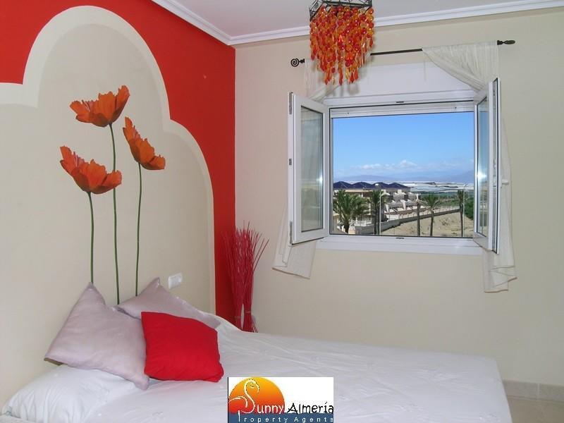 Apartamento de Lujo en alquiler en Calle Fosforito 4 (Roquetas de Mar), 400 €/semana