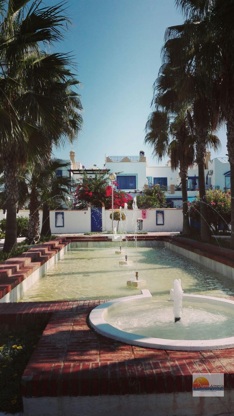 Apartment for rent in Avenida Entremares 8-12 (Roquetas de Mar), 500 €/month