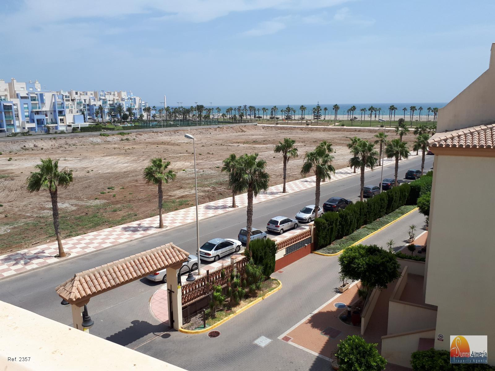 Luxury Apartment for sale in Calle Fosforito 4 (Roquetas de Mar), 143.000 €