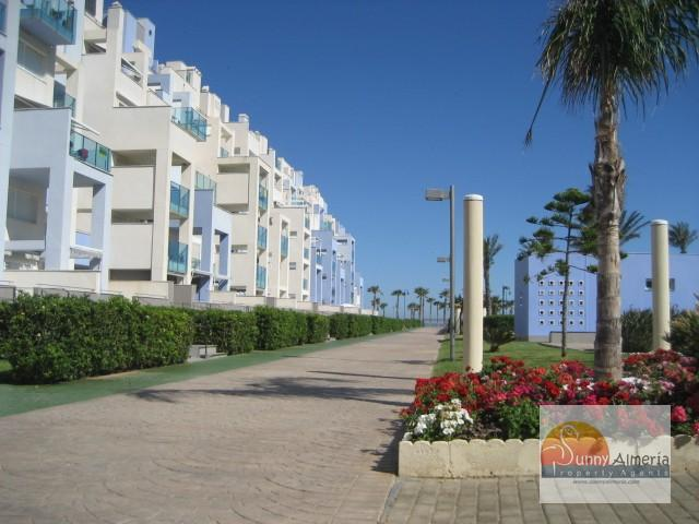 Luxury Apartment for rent in Carretera Ciudad de Cadiz 51 (Roquetas de Mar), 950 €/month