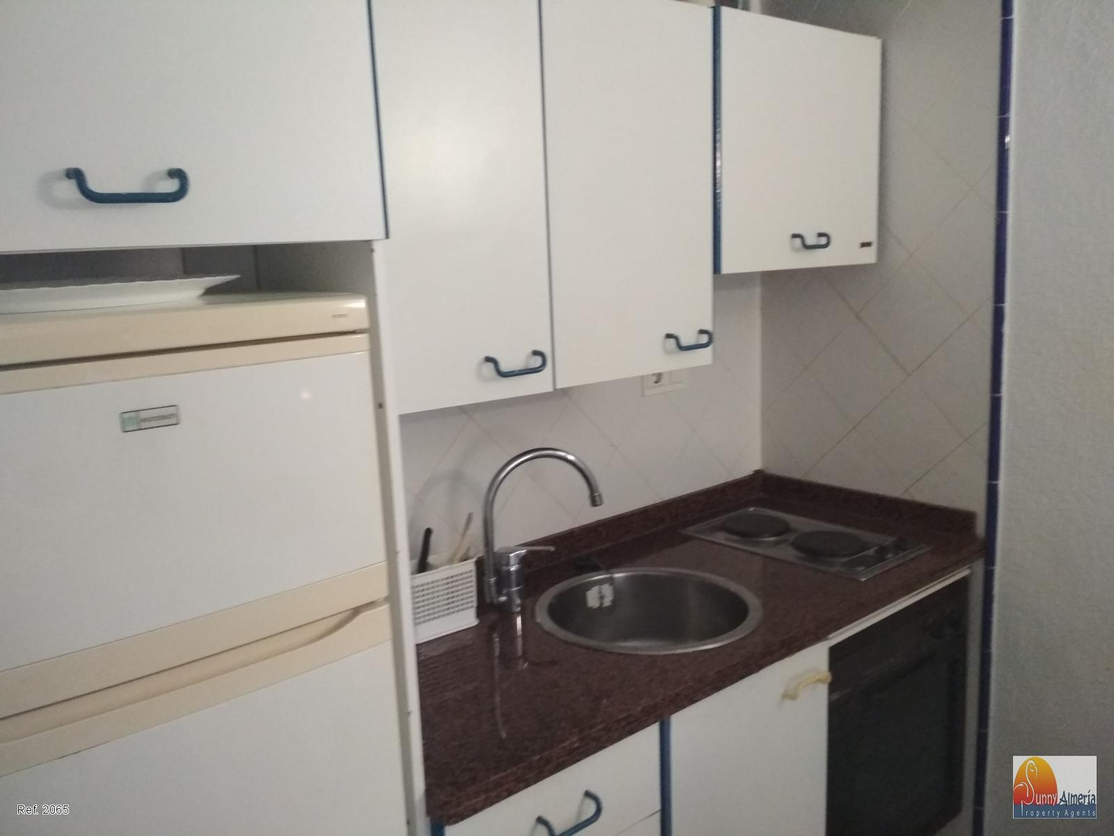Petit Appartement de vacances à Avenida Entremares 112 (Roquetas de Mar), 700 €/mois