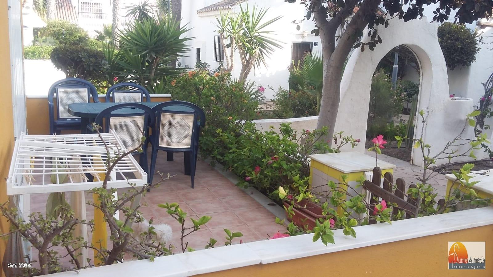Duplex for rent in Avenida Entremares 112 (Roquetas de Mar), 950 €/month