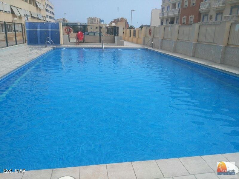 Apartment for sale in Roquetas de Mar, 56.000 €