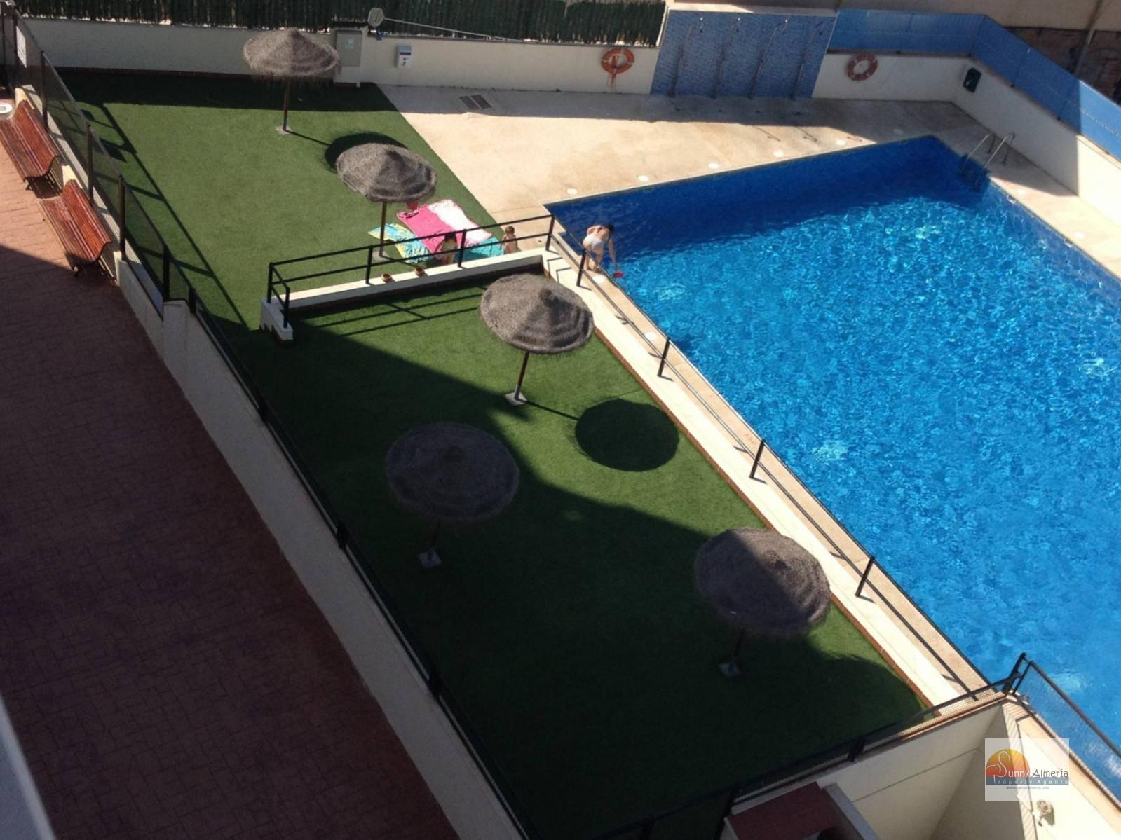 Apartment for sale in av Rosita Ferrer (Roquetas de Mar), 62.000 €