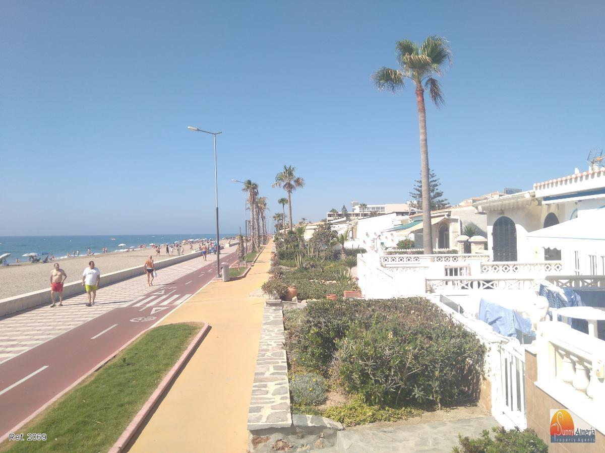Bungalow de vacances à Avenida las Gaviotas   19 (Roquetas de Mar), 1.050 €/mois